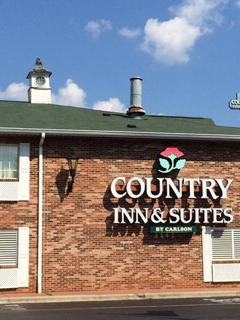 Country Inn & Suites By Carlson, Charlotte - I-85 Airport: rough