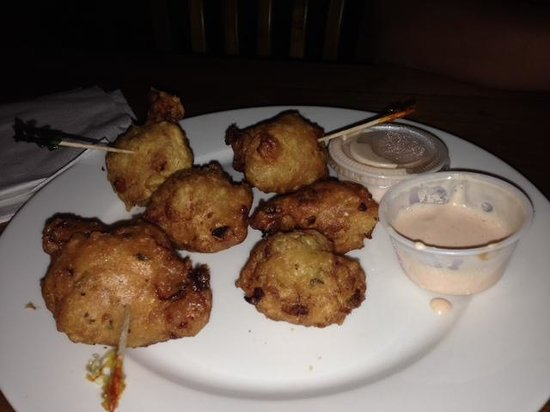 Twin Brothers Restaurant: conch fritters