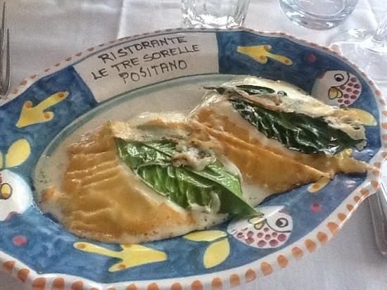 Le Tre Sorelle : Grilled Mozzarella!!