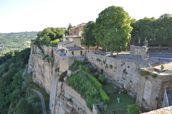 Orvieto images vacation pictures of orvieto province of terni tripadvisor for Hotels in orvieto with swimming pool