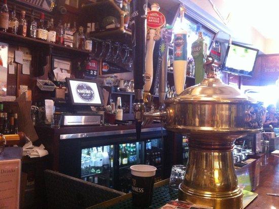Liam Maguire's Irish Pub: sit at the bar