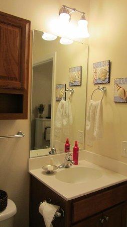 Barefoot Resort: Bathroom