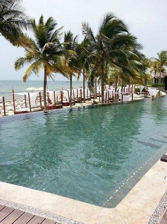 Villa del Palmar Cancun Beach Resort & Spa: Area de Piscinas
