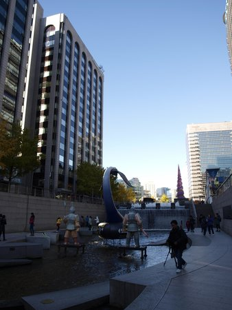Cheonggyecheon: drain between tall buildings