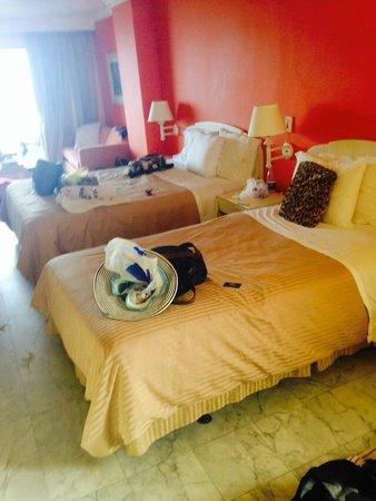 GHL Relax Hotel Sunrise: quarto espaçoso