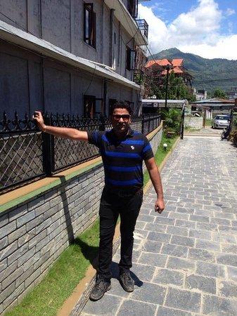 Hotel Encounter Nepal: me