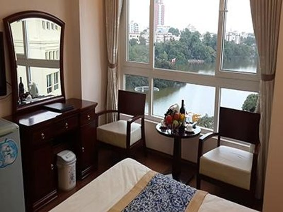 Golden Lakeside Hotel: Lakeview room