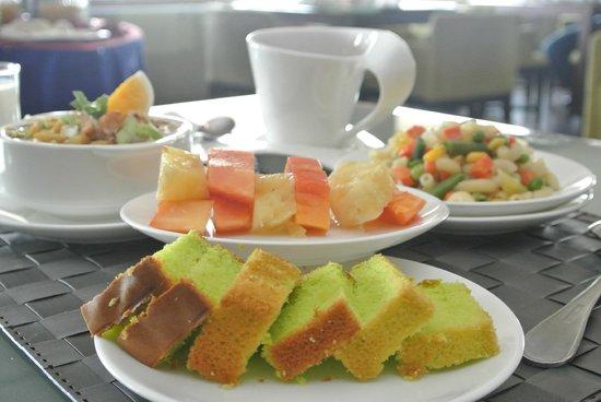 Asean International Hotel Medan: Morning breakfast