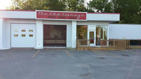 The Old Garage Wood Fired Pizza: Located across from Tim Hortons!