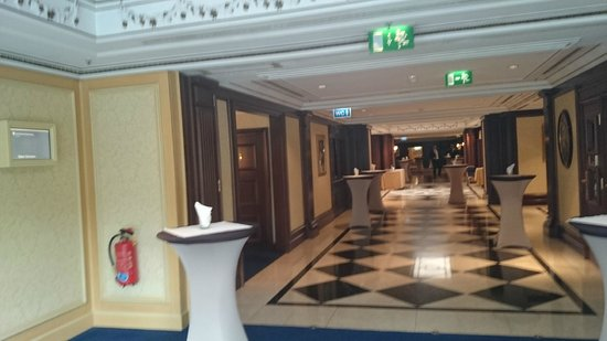 InterContinental Wien: Хол