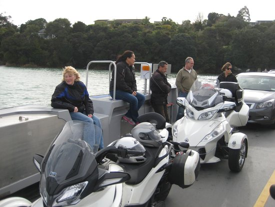 Paradise Motorcycle Day Tours: Russell Ferry