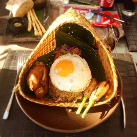 Anantara Seminyak Bali Resort: Fantastic food, best Nasi Goreng in Bali :)