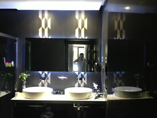 Berg Luxury Hotel : bathroom view