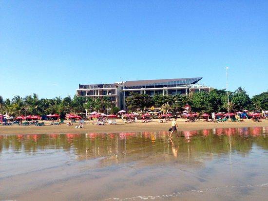 Anantara Seminyak Bali Resort: Anantara hotel - view from the beach