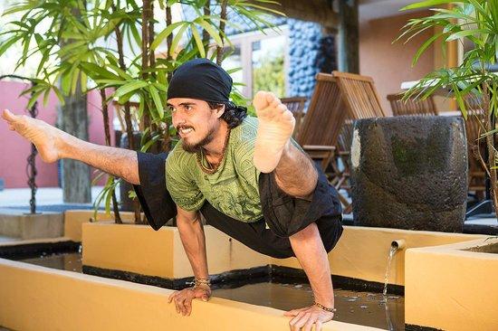Yoga Circle: Rafael