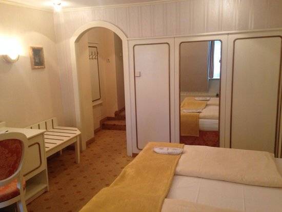 Schlosshotel Roemischer Kaiser: Habitación del 6to piso