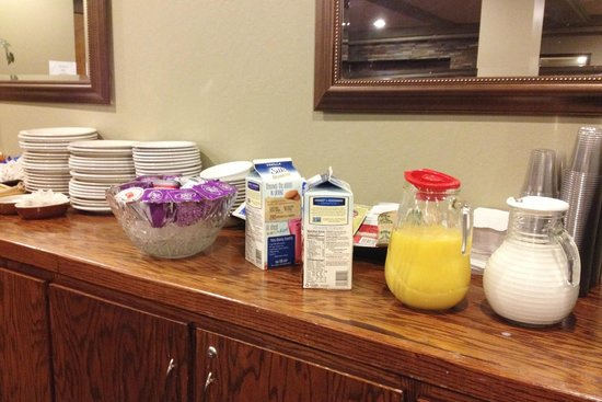Mammoth Creek Inn: Breakfast