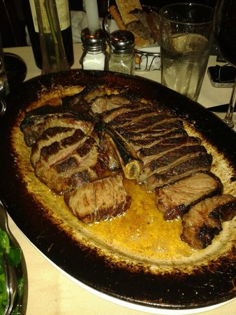 Club A Steakhouse: porterhouse, great choice