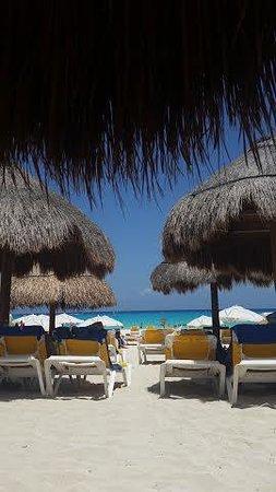 Iberostar Tucan Hotel : Beach shot
