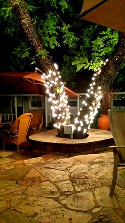 Prescott Pines Inn Bed and Breakfast : Light up the Night with Relaxation and Beauty