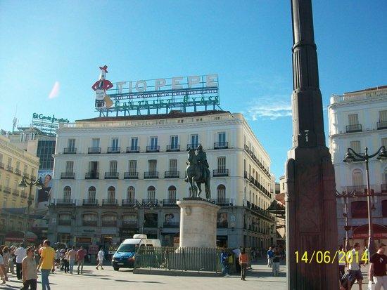 Hostal El Pilar: plaza del sol