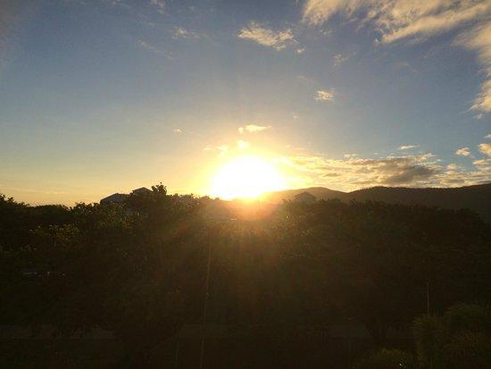 Mantra Esplanade Cairns: Sunrise in the morning