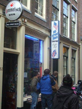 Cafe Hill Street Blues : entrada