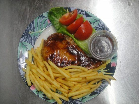 D & B's Bar & Restaurant: bbq chicken breast