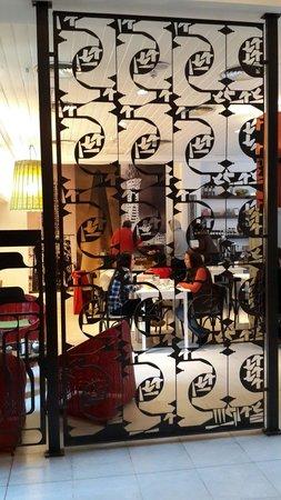 Hotel Patios De San Telmo: Café y restaurante del Hotel