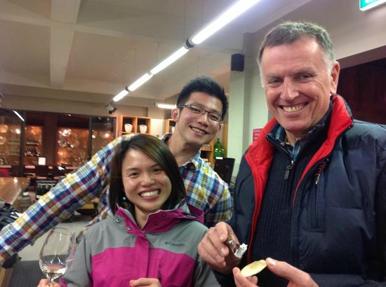 Vinetrekker Wine and Food Tours: Our new Malaysain Freinds and Paul!