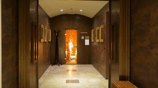 Park Hotel Pelikan: sauna corridor