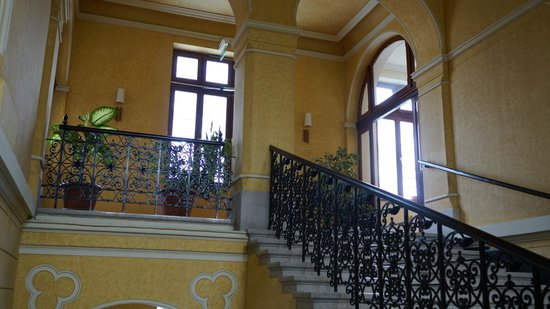 Park Hotel Pelikan: staircase