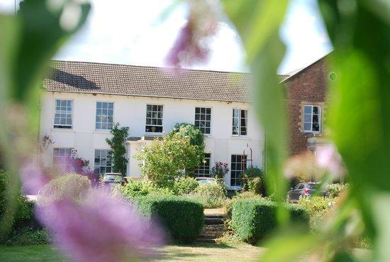 Glewstone Court : Hotel from the garden
