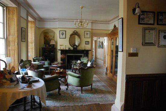 Glewstone Court : Lounge