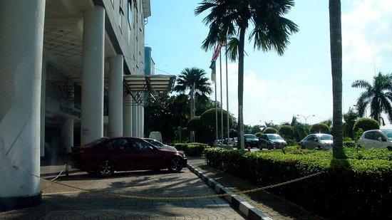 Grand BlueWave Hotel Johor Bahru: 入口