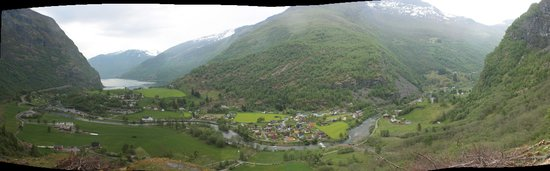 Brekkefossen : Panorama of the valley from the top