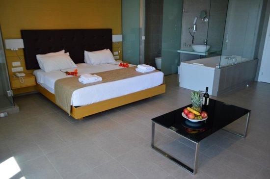 Atlantis City Hotel : Junior Suite sea view