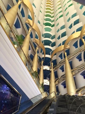 Burj Al Arab Jumeirah : Hotel lobby