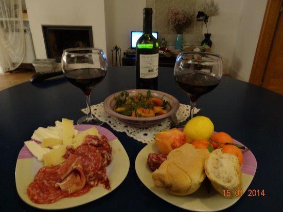 Pietra Campana: Ужин в номере