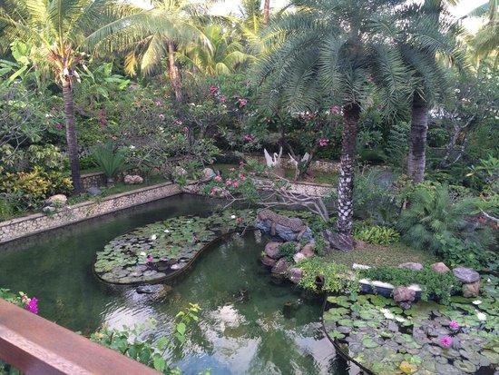 Padma Resort Legian : view at breakfast