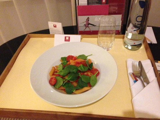 Leonardo Royal Hotel Berlin Alexanderplatz: The room service tray was rather large and wouldn't quite fit the table.