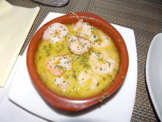 Lola Spanisches Tapas Restaurant: Креветки в чесночном масле