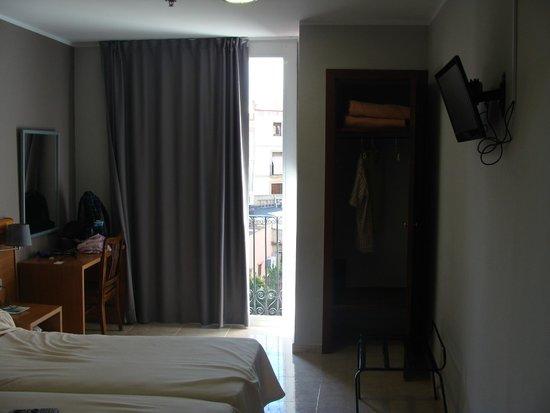 Hotel Ingles: Номер