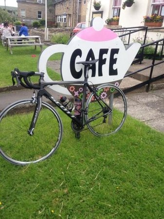 Fountain Cottage Cafe & Tearoom: Solo ride for coffee