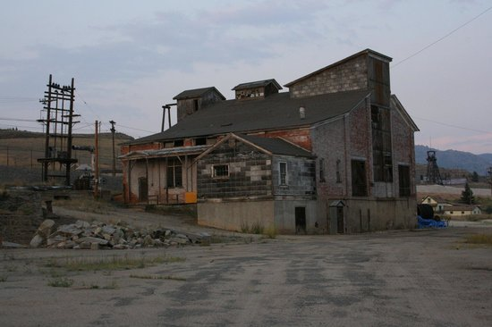 World Museum of Mining: Abandoned mining buildings in the heart of Butte