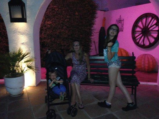 Marhaba Salem : Outside the hotel