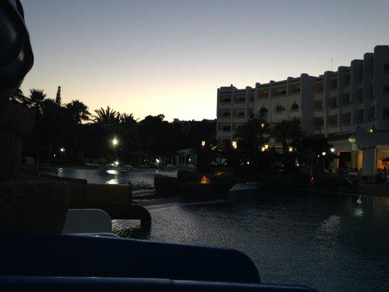 Marhaba Salem : Outside the main pool at night