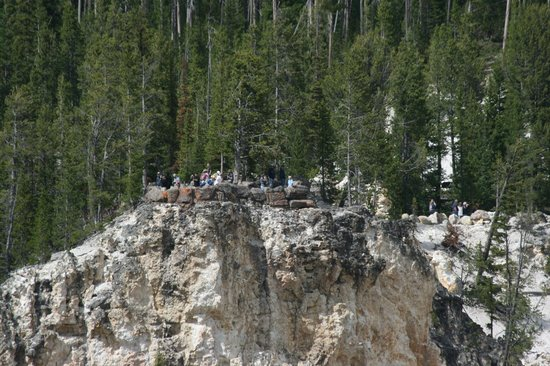 Artist Point : There are observation points on the far side accessible by car