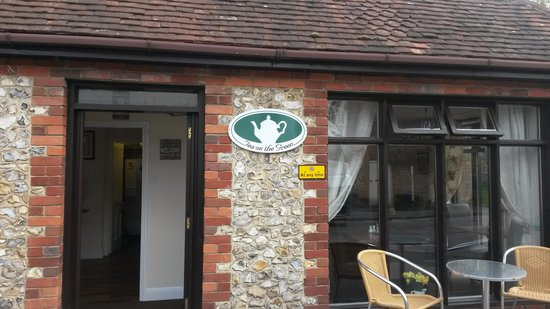 Tea on the Green Rowlands Castle