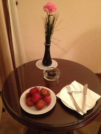 De Syloia Hotel: Every day room fruit basket